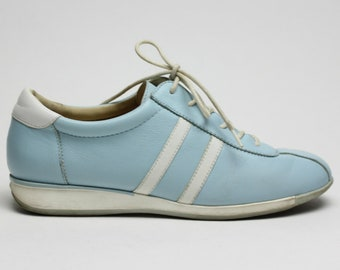 90s baby blue ANNE KLEIN striped minimal sneakers 8 8.5
