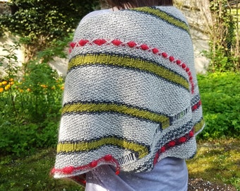Easy and fun knitting pattern for women shawl/shrug /Strickanleitung/ Stones and berries by Wollmuschi design