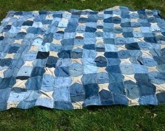 Blue Jeans Pockets Quilt - Custom Queen Size Quilt - Upcycled Denim Quilt - Denim Bedding - Jeans Pockets Blanket