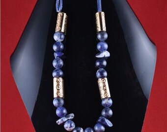 Blue sodalite chopped stone necklace