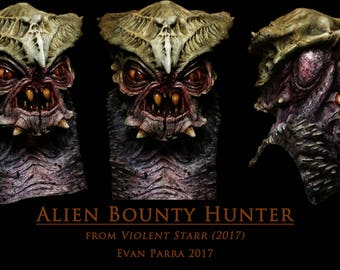 Alien Bounty Hunter - Professional Latex Mask