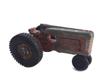 Hubley Jr Kiddie Toy Tractor / Hubley Diecast Toy Tractor / Vintage Hubley Kiddie Toy / Hubley Red Farm Tractor / Hubley Farm Vehicles