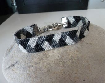 Weaved bracelet motive plaiting, style smart ethno small cuff(headline)