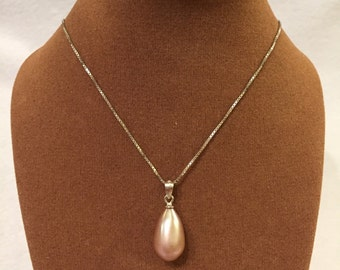 Teardrop freshwater pearl necklace with silver chain