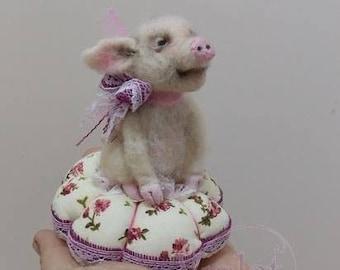 Miss Piggy pincushion
