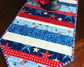 Patriotic Quilted Table Runner, Fourth of July, Patriotic Decor, 4th of July Decor, Table Linens, Memorial Day, America, USA, Gift for Her