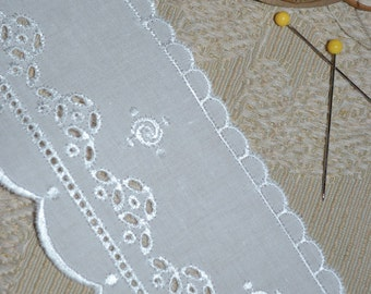 """Embroidered white eyelet lace with double scallop  2 3/8"""" x 6 yards"""
