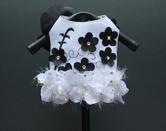 Black and White Rosette Embroidered Flower Gardenia Harness