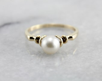 Simple Pearl Solitaire Ring in Yellow Gold NWUUYJ-N