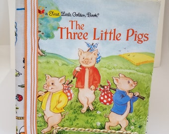 The Three Little Pigs junk journal