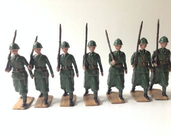 Vintage BritainsLead Toy Soldiers Set 1435 Italian Infantry Service Dress Marching Post War