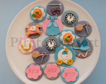 Edible Alice in Wonderland Cupcake toppers Un Birthday Party