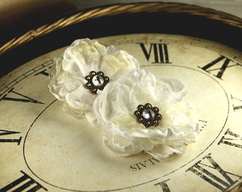 Prima Marketing Fleur De Lys Fabric Flower Embellishement Ivory