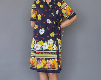Vintage 60s St Michael kimono Novelty Flowery fruit print dress Mid century printed dress Rob dress Floral house dress Summer robe dress
