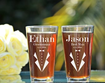 Groomsmen Pint Glass, Personalized Pint Glasses, Wedding Party Pint Glasses, Custom Pint Glass, Beer Pint Glasses, 16oz Glass, Wedding Favor