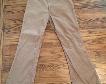 Vintage 1970's Levi men's or women's brown corduroy pants. Size 33/32