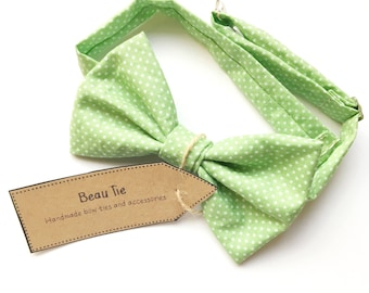 Mint green bow tie, mens bow tie, polka dot bow tie, mens green bow tie, wedding bow ties