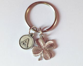 Clover keychain - Four leaves clover - lucky  clover - initial keychain - customized