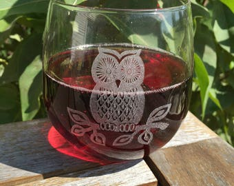 Stemless Wine Glass-Engraved-Owl-Gift for Women, Wife, Fiancé, Girlfriend, Sister, Sister-In-Law, Mom, Mother-In-Law, Coworker, Friend