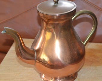 ANTIQUE SOLID COPPER Tea Pot..Made in Portugal with odi on back.. Excellent Vintage Cond. Needs Polishing.