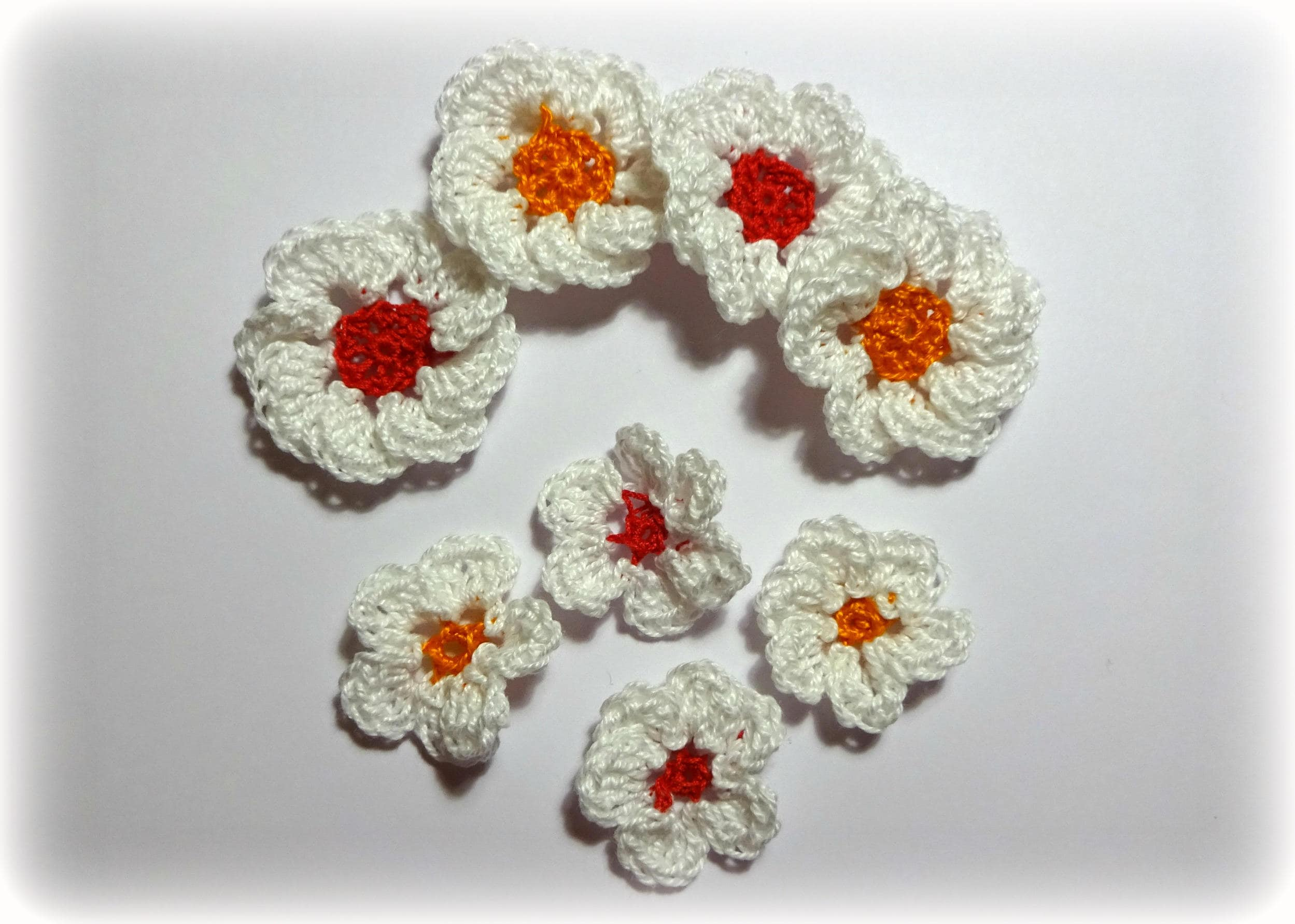 8 flowers crochet applique white orange and red heart from