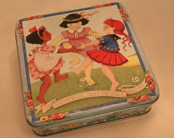 DANCING GIRLS TIN