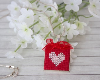 Red Embroidered Necklace, Red Necklace, Handmade Jewellery, Heart Necklace, Cross Stitch Necklace, Red and White Necklace, Love Necklace