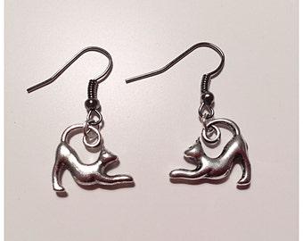 Vintage Style Silver Cat Earrings