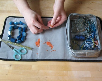 String-Me-Along, bag and workspace combination