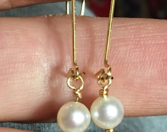 Chanel inspired Gold tone QUILTED CC Logo Earrings Real Pearls with gold plated wires