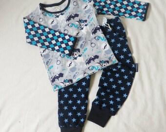 2 pcs boys clothes set size 24 months and 2T, boys sweatpants, boys longsleeve, boys sports set, boys pants, boys T-shirt