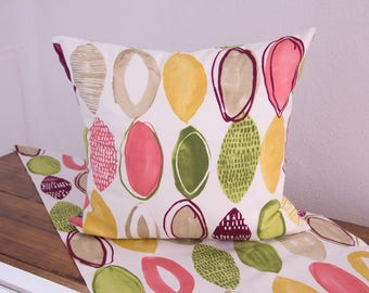 Pillow case with colourful ovals, 50 x 50 cm