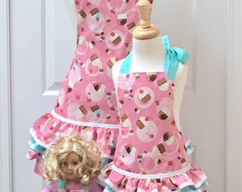 Mommy and Me Aprons AND Matching Doll Apron Set - Cupcakes on Pink and Polka Dots - Reversible