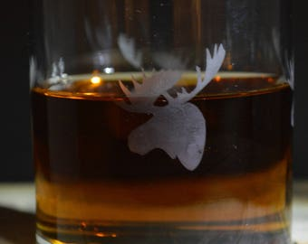 This Hand Etched Whisky Glass: Has A Moose Head on it Which Goes a Round the Glass!!