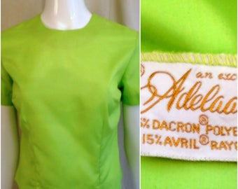 Vintage  1960s Blouse Lime Green Short Sleeve Back Button Hip Bone Blouse Small