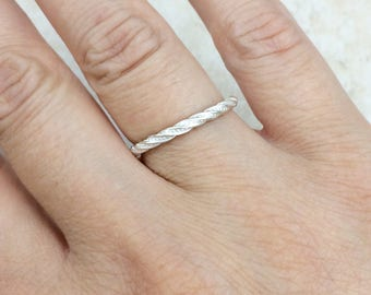 Sterling silver stacking ring / Sterling silver band ring