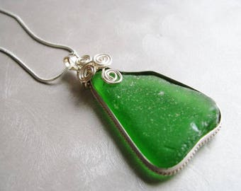 Genuine Sea Glass - Kelly Green Seaglass Necklace - Showstopper Bezeled Necklace  - Beach Glass Necklace - Prince Edward Island Sea Glass
