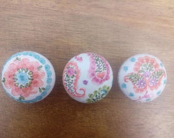 Handcrafted Set of 3 'Paisley Floral' Door Knobs