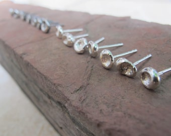 Small pebble Posts / Sterling silver / Studs /  Dainty / Delicate Style / Minimalist / Raw silver / Mini / Small earrings  / Gift for her
