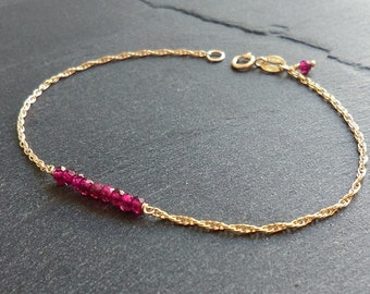 Gold filled and genuine garnet bracelet - Rhodolite garnet bracelet - Gemstone bracelet - 14K gold filled chain -Everyday minimalist jewelry