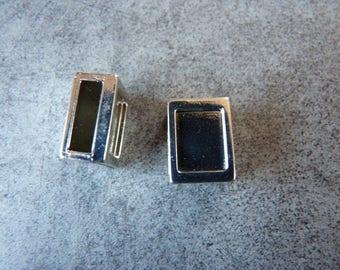 2 rectangular shiny silver metal for bracelet or belt loops