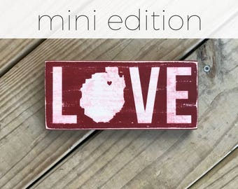 MINI LOVE with Adirondack Park silhouette - Adirondack Decor - Cabin Decor - Mountain Decor - Lake Decor - Custom Location - Wood Sign