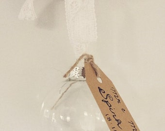 Custom Bride Groom Mr & Mrs Wedding Day gift favour bauble
