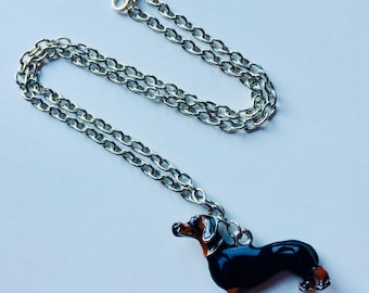 Dashound | Daschund | Sausage Dog | Dog | Enamelled | Necklace