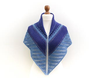 Light blue and navy blue triangle scarf Triangular hand knitted shawl Alpaca wool blend yarn Perfect for spring