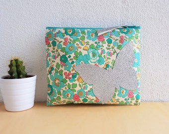 Case in liberty fabric  /  cosmetic bag / makeup case / textil accessories