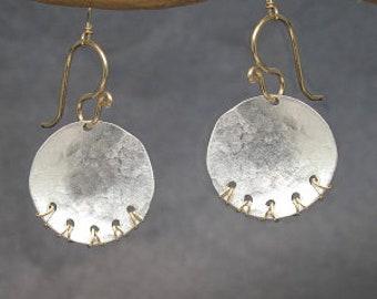 Hammered Metal Disc Drop Earrings METROPOLITAN 2