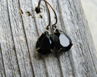 Black Glass Earrings Vintage Jewel Cut Glass Gems Estate Style Jewels Onyx Black Teardrop