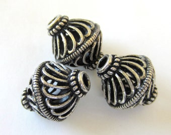 8 Antique silver Beads filigree openwork ethnic boho chic 12mm x 16mm   A1695-R1,