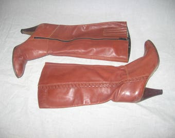Vintage Latinas Made In Brazil Semi Distressed Tan Brown Cognac High Heel Whip Stitch Detail Side Zipper Thigh High Leather Boots Size 8.5 M